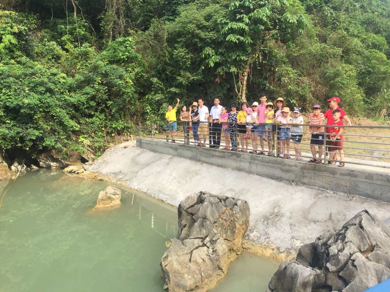 Hành trình xanh khám phá làng chài Việt Hải