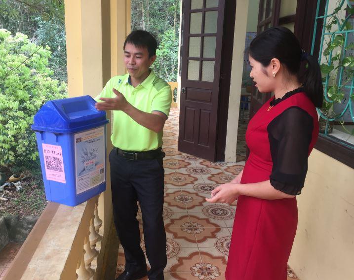 Thu hồi pin thải tại xã đảo Việt Hải